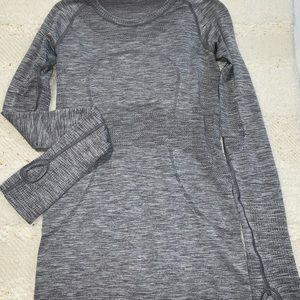 Lululemon grey swiftly tech long sleeve size 4